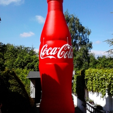 Nafukovací láhev Coca Cola