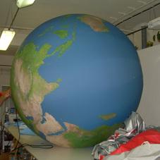Nafukovací koule Země