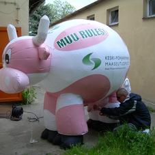 Nafukovací kráva