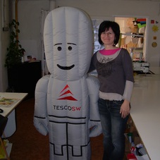 Nafukovací robot Tescosw