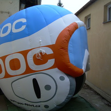 Nafukovací helma POC