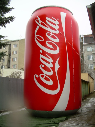 Nafukovací plechovka Coca-Cola